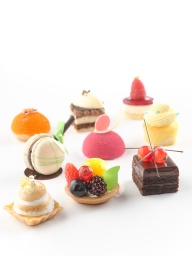 Full Month – Petite Fours - Beaucoup